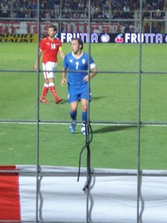 Italia-Austria: Del Piero in azione (e guai a chi me lo tocca!)